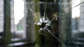 Seorang Pengemudi Truk Terkena Peluru Nyasar di Tol JORR