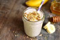 Sarapan berenergi tinggi penting untuk mendukung metabolisme tubuh. Mencontoh Kendall Jenner, ia sangat suka sarapan dengan telur, alpukat, dan oatmeal. Demikian juga dengan Kim yang memilih telur orak arik atau oatmeal, juga 'protein shake' dengan buah. Foto: iStock