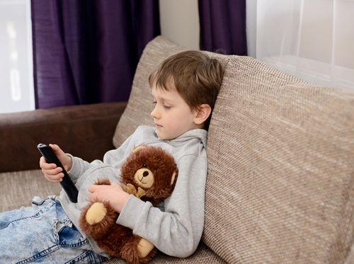 Alami Benturan di Pipi Hingga Perdarahan di Hidung, Berbahayakah bagi Anak?