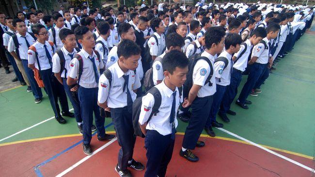 Beberapa Daerah Izinkan PNS Antar Anak ke Sekolah