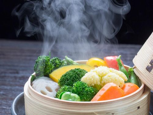 Bolehkah Bayi 6 Bulan Diberikan Sayuran Rebus?