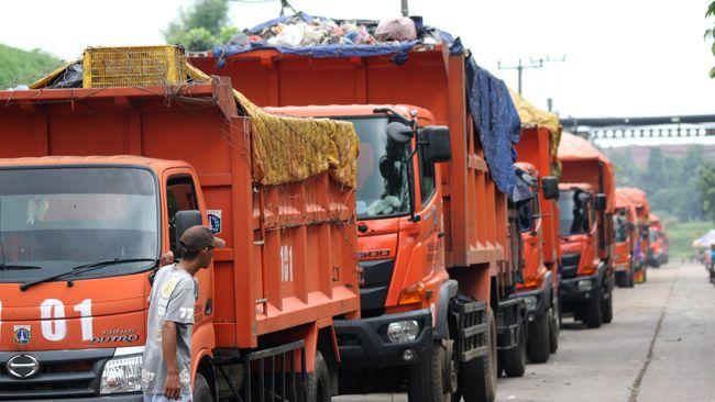 Anies Resmikan Fasilitas 'Mandi' Truk Sampah di Bantargebang