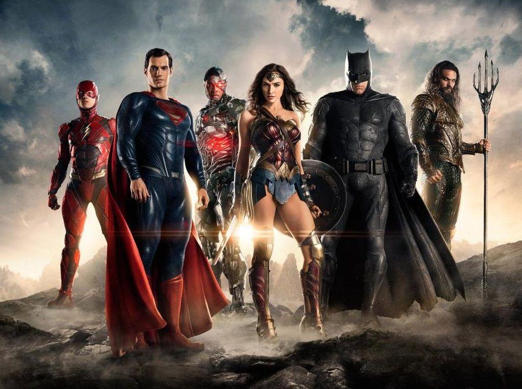 Beginilah Pemain Justice League Membentuk Tubuh Ala Superhero