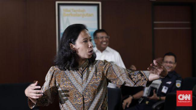 Menteri Rini: Pertamina Wajib Manut Jokowi Salurkan Premium
