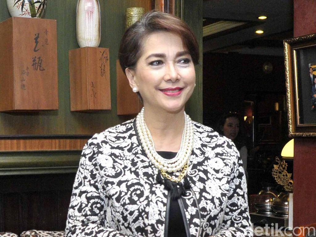 6 Artis Indonesia yang Tetap Menawan Meski Usia Lebih dari 50 Tahun