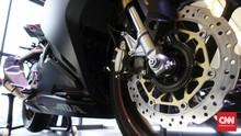 Lihat Langsung Bedanya Motor Standar dan Pakai Rem ABS