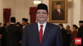 Jokowi Pertahankan Airlangga Meski Rangkap Jabatan