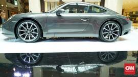 Melihat Lebih Dekat Dua Mobil Sport Harian Porsche