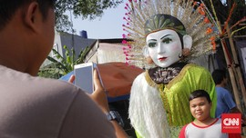 Berpesta Sosis dan Kerak Telor di Festival Condet