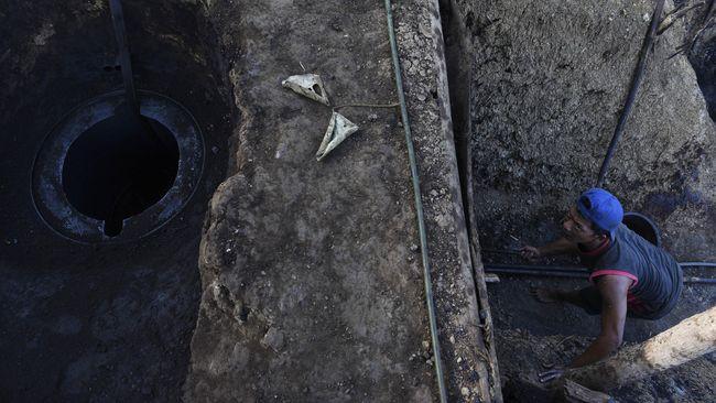 Hirup Asap Ban Dibakar, Tujuh Penambang Tewas di Lombok Barat