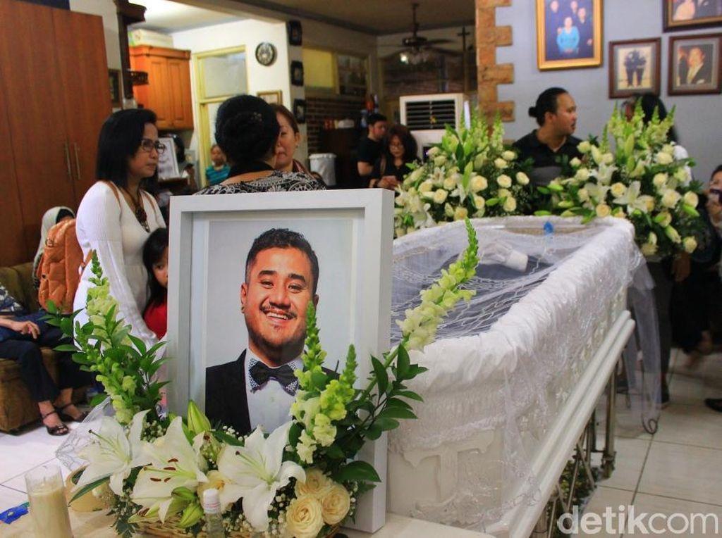 Mike akan dimakamkan pada Selasa (2/8/2016) di TPU Tanah Kusir, Jakarta Selatan. Hanif Hawari/detikHOT.
