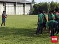 Eduard Tjong Terseret Arus Keluarga Bola