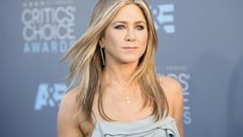 Brad Pitt Disebut Hadiri Pesta Ulang Tahun Jennifer Aniston