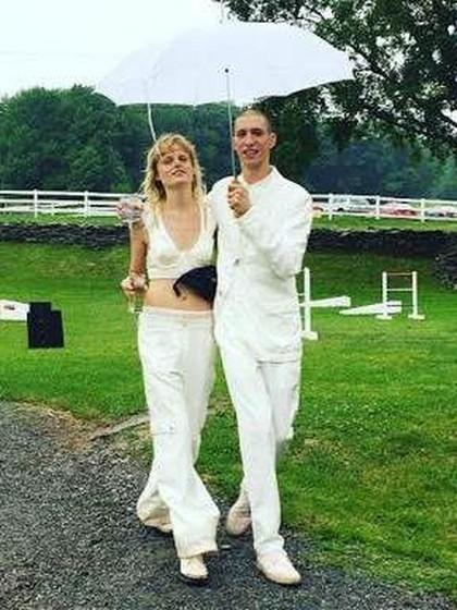 Menikah, Model Hanne Gaby Odielle Hanya Pakai Bralet dan Celana Panjang