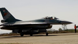 Empat F-16 Kawal Panglima Saat TNI AU Latihan di Natuna