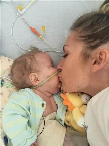 Kisah Haru Ibu Donorkan 131 Galon ASI Setelah Kehilangan Bayinya