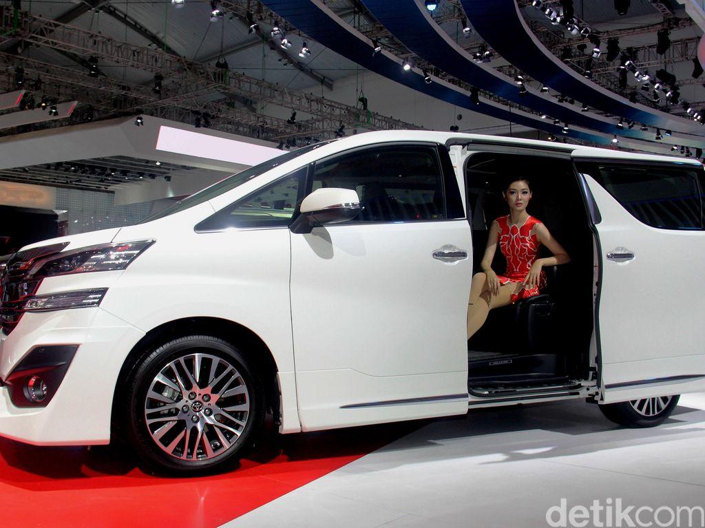 Dear #CrazyRichSurabayan, Kalau Pintu Mobil Cepet Nutup Bisa Kejepit