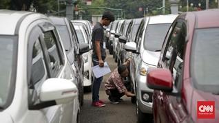 Pengemudi 'Taksi Online' Kritik Batas Waktu Uji KIR Gratis