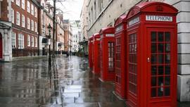 Alih Fungsi Si Merah Ikon Kebanggaan Inggris