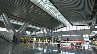 Erupsi Gunung Taal Tunda Penerbangan di Bandara Manila