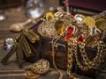 Milisi Libya Temukan Timbunan Perhiasan di Gudang ISIS