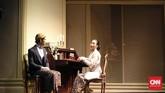 Ini pertama kalinya mereka main teater, kecuali Happy. Cerita Bunga Penutup Abad dirangkum dari fantasi karya Pramoedya Ananta Toer, sastrawan besar Indonesia, yang tertuang di tetralogi Buru. (CNN Indonesia/Rizky Sekar Afrisia)