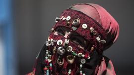 Mengenal Fenomena 'Crosshijaber' yang Ramai di Jagat Maya