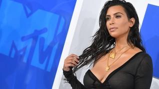 Kim Kardashian Bela Kendall Jenner soal Gigitan Anjing