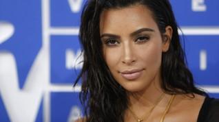 Kim Kardashian Bercerita soal Anak Keempat