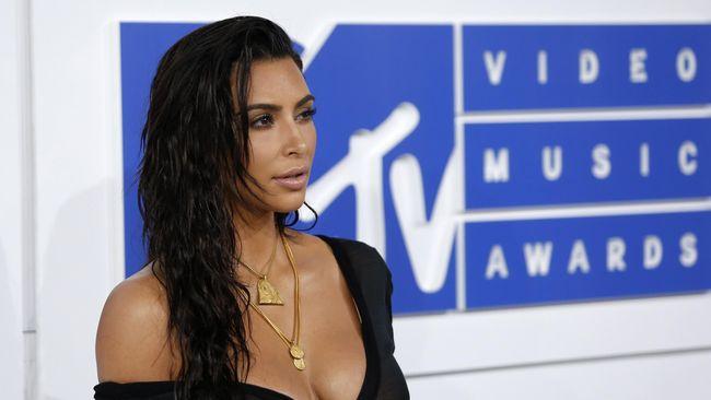 Kim Kardashian Sempat Khawatir Diperkosa saat Perampokan