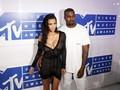 Kanye West Dilarikan ke RS, Kim Kardashian Buru-buru Dampingi