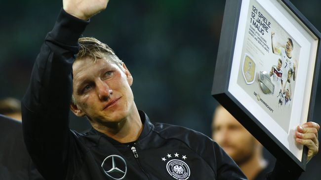 Khedira Prihatin Nasib Schweinsteiger di ManUtd