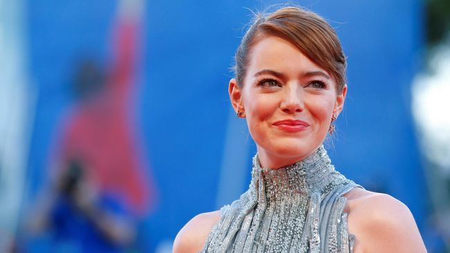 Emma Stone Tak Percaya Diri Menyanyi di Panggung Broadway