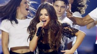 Selena Gomez Kapok Pacaran dengan Sesama Selebriti