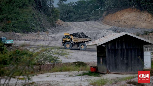Jatam: 783 Izin Tambang Berada di Kawasan Rawan Bencana