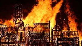 Kebakaran di Paris, Lima Anak Kritis