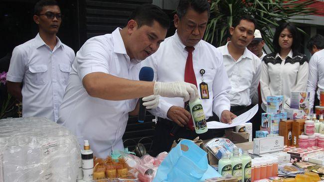 Polda Metro Jaya Tangkap Pemalsu Komestik Beromset Rp30 Juta