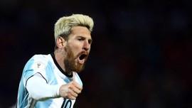 Maradona Bosan Bela Lionel Messi