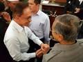 Mahathir Jabat Tangan Anwar Ibrahim, Malaysia Gempar