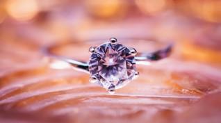 Cincin Berhias 7.777 Berlian Pecahkan Rekor Dunia