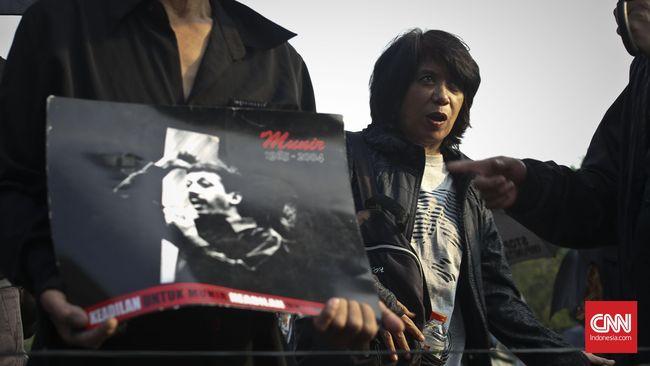 Pollycarpus Bebas, Masih Ada Janji Jokowi Usut Kasus Munir