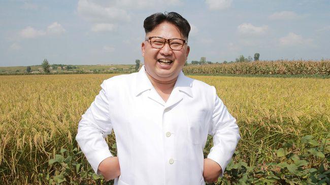 Tenggak Anggur dan Soju, Kim Jong-un Tertawai Diri Sendiri