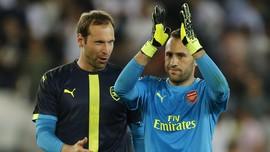 Wenger Bebas Pilih Dua Kiper Kelas Dunia