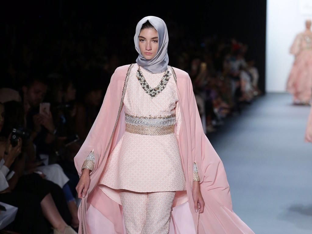Foto: Lihat Lagi 20 Karya Anniesa Hasibuan di New York Fashion Week