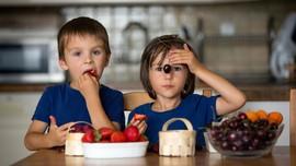 Anak-anak yang Makan Buah dan Sayur Lebih Pintar