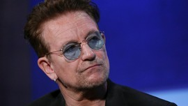 Bono U2 Jadi 'Women of The Year' versi Glamour