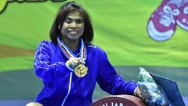 Memotret Dua Lifter Peraih Medali Olimpiade di Ajang PON XIX