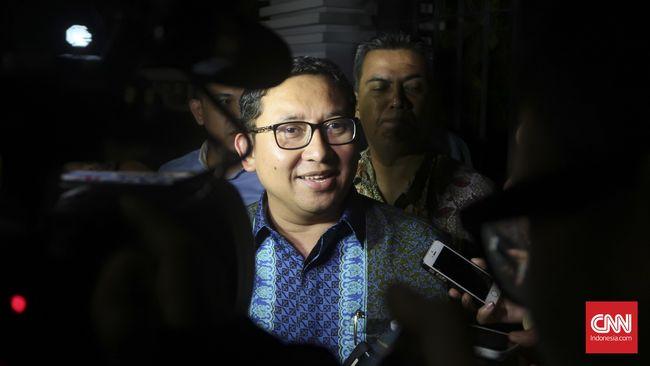 Fadli Zon Resmi Jadi Plt Ketua DPR Gantikan Setnov