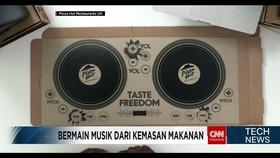 Bermain Musik Ala DJ dengan Kemasan Makanan