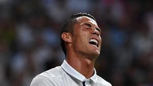 Ronaldo Mengaku Marah Ketika Oezil Tinggalkan Madrid